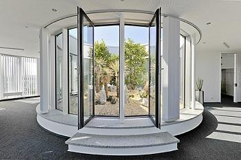 atrium_exterior_plants_buy_penthouse